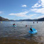カナダ、意外と暑いやん。湖岸ビーチで夏を感じる!