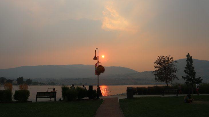 Peach Festival ② 湖畔で遊園地